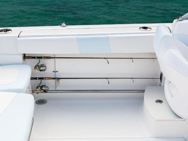 2020 Robalo boat for sale, model of the boat is R207 & Image # 14 of 21