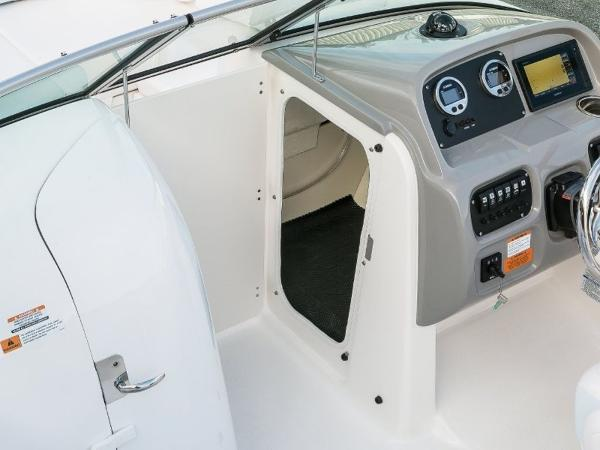 2020 Robalo boat for sale, model of the boat is R207 & Image # 19 of 21
