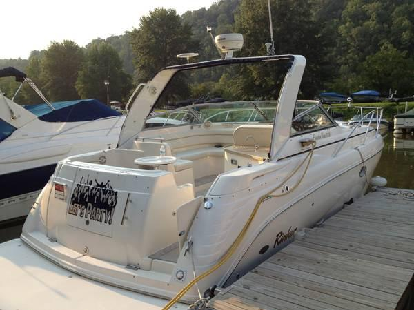2005 Rinker 320 Express Cruiser w/Trailer