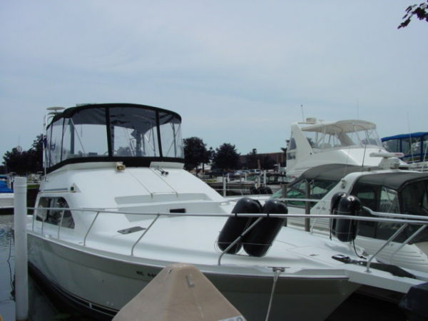 Mainship 40 Sedan Bridge Convertible Boats. Listing Number: M-3504434