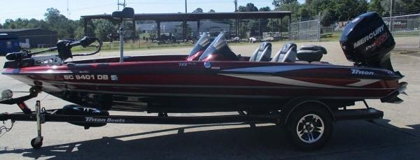 2015 Triton boat for sale, model of the boat is 18 TRX & Image # 2 of 8