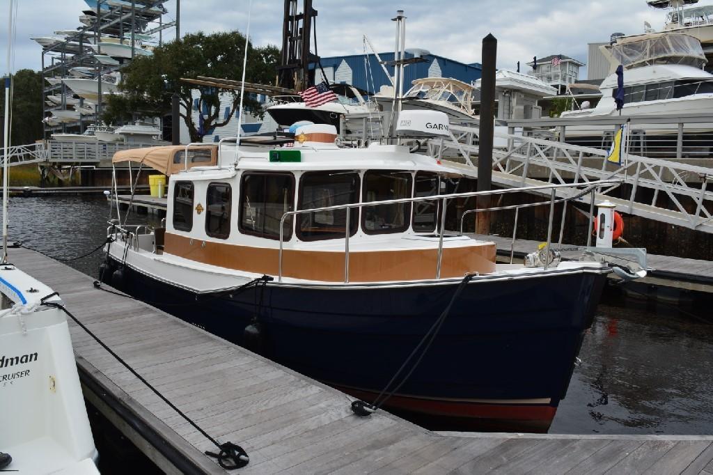 Ranger Tugs R-25 SC - Starboard Bow
