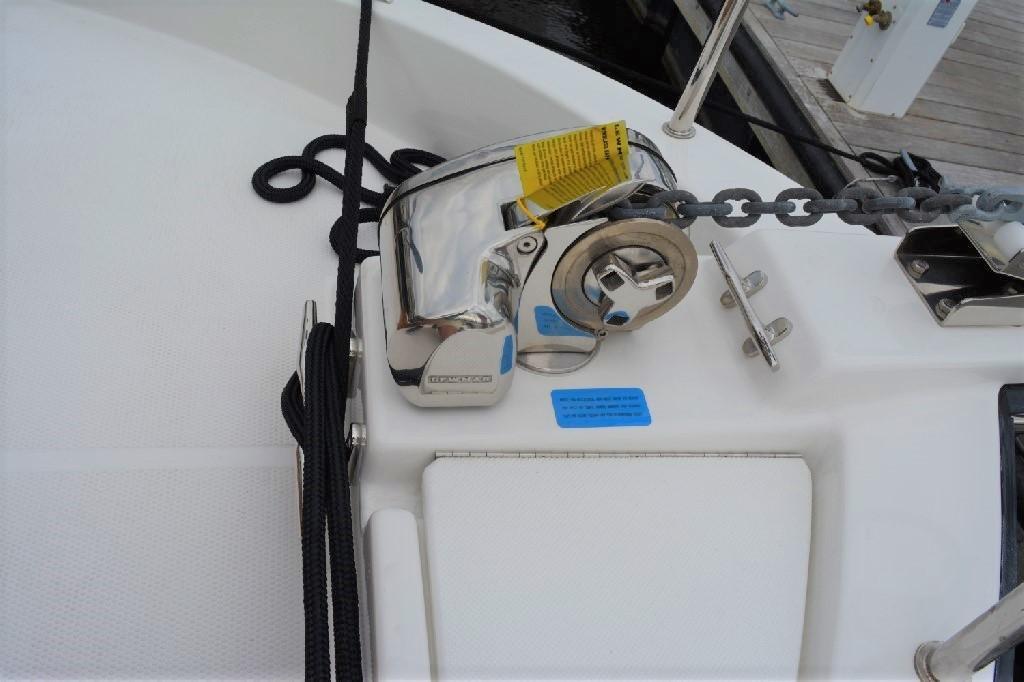 Ranger Tugs R-25 SC - Anchor Windlass