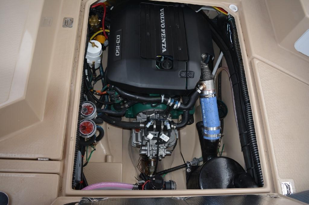 Ranger Tugs R-25 SC - Volvo D3