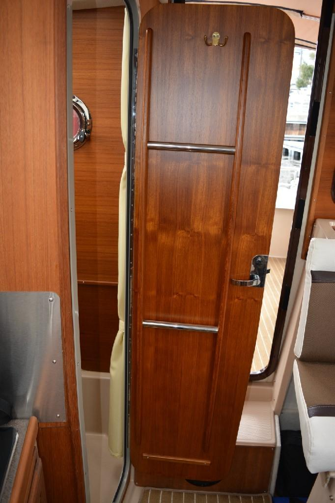 Ranger Tugs R-25 SC - Head Privacy Door