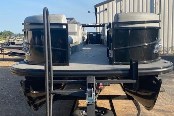 2019 Regency boat for sale, model of the boat is 250 LE3 & Image # 1 of 16