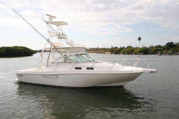 Boston Whaler 34 Defiance Sports Fishing Boats. Listing Number: M-3834448