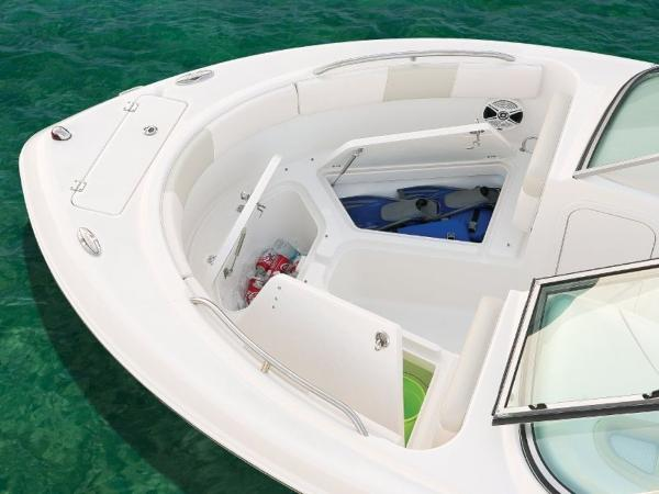 2020 Robalo boat for sale, model of the boat is R227 & Image # 10 of 20