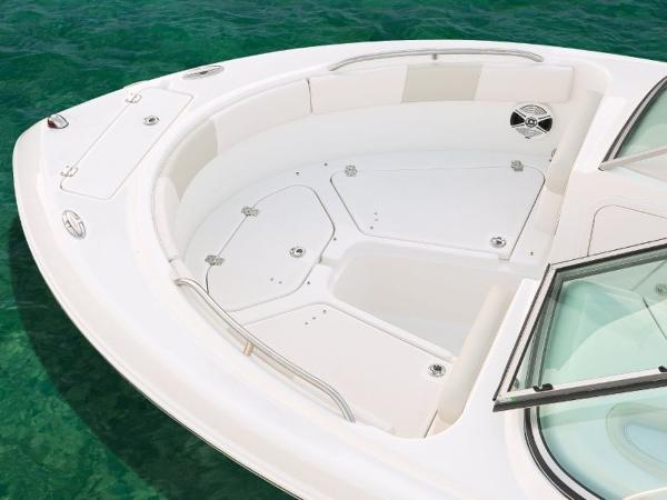 2020 Robalo boat for sale, model of the boat is R227 & Image # 15 of 20