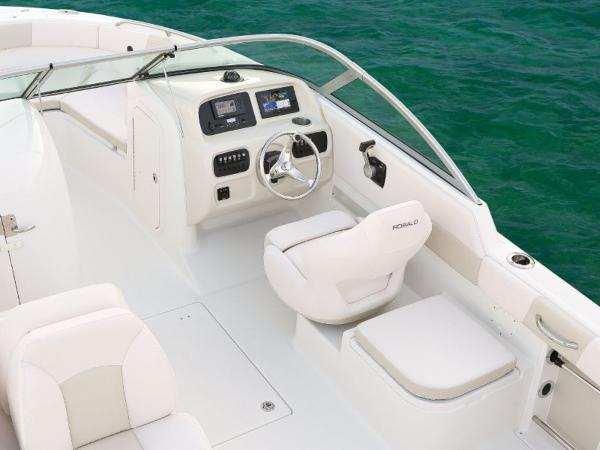 2020 Robalo boat for sale, model of the boat is R227 & Image # 16 of 20