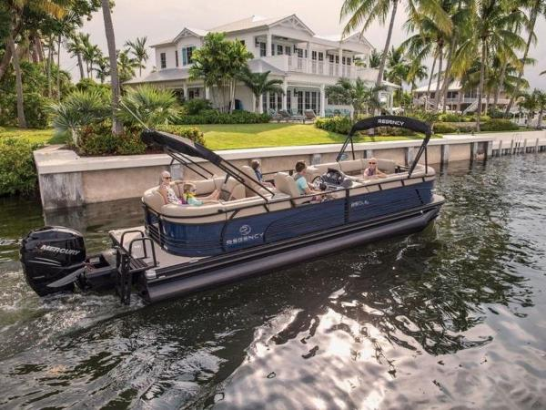 2020 Regency boat for sale, model of the boat is 250 LE3 & Image # 2 of 54