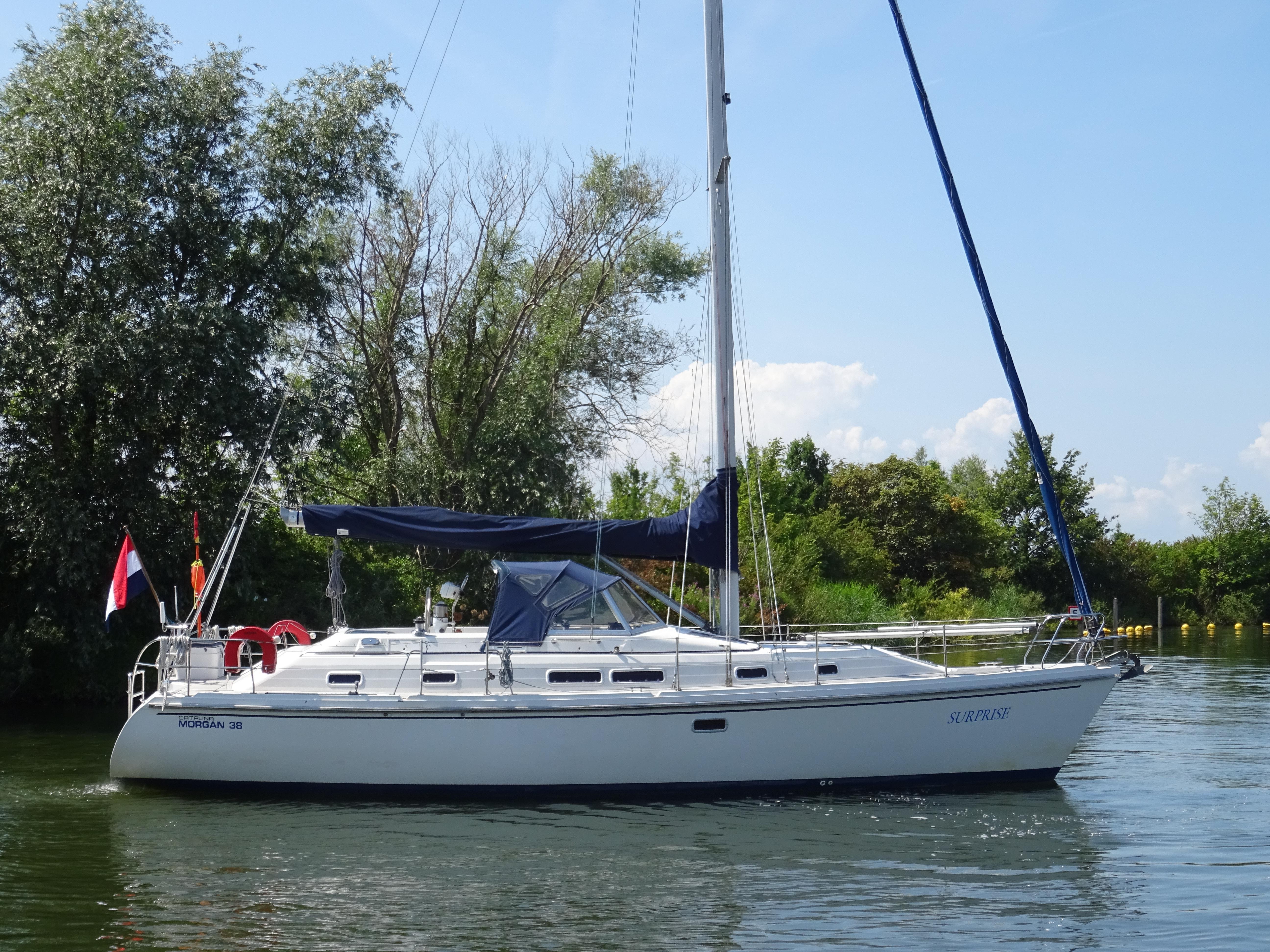 Catalina Morgan 38