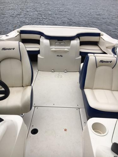 2010 Sea Ray boat for sale, model of the boat is 205 Sport & Image # 7 of 10