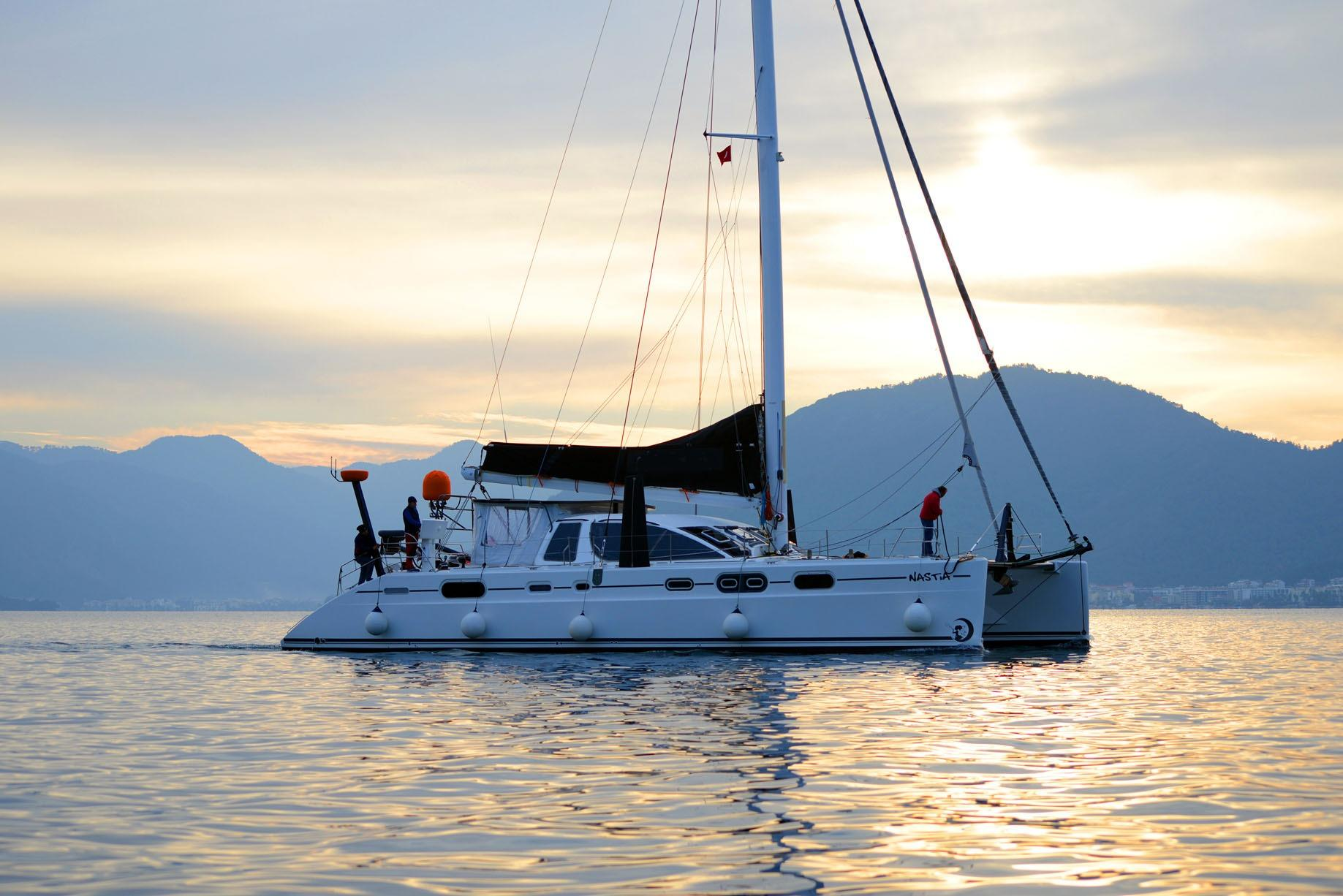 The Multihull Company Used Catamarans Above 55 Marine Wiring Diagrams Sailboat Mast Catana