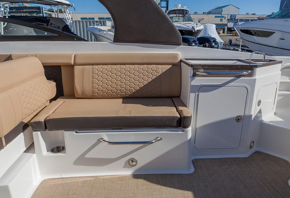 Sea RaySDX 290 Outboard