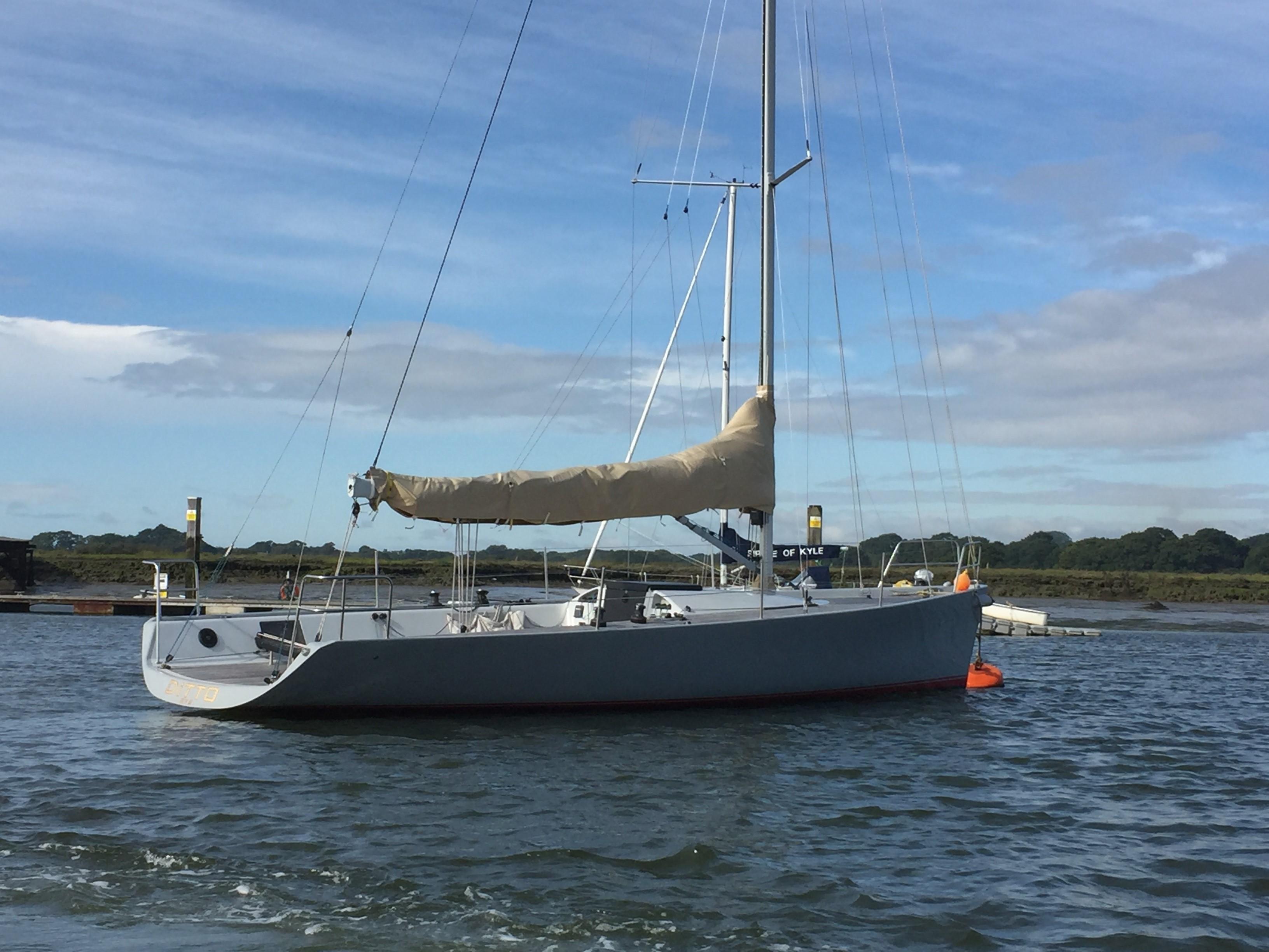 Maxi Dolphin MD 33