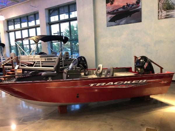 2021 Tracker Boats boat for sale, model of the boat is Pro Guide™ V-175 SC & Image # 1 of 12