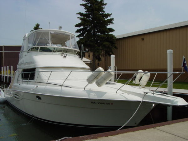 Silverton 42 Convertible Convertible Boats. Listing Number: M-3504474