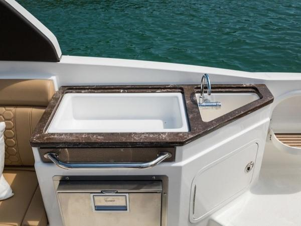 2020 Sea Ray boat for sale, model of the boat is SDX 290 & Image # 8 of 15