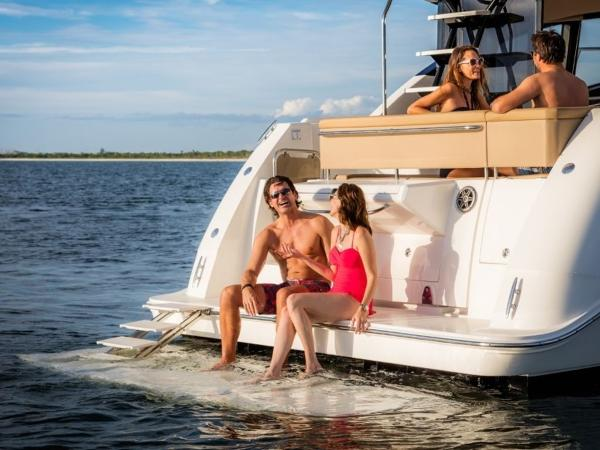 2020 Sea Ray boat for sale, model of the boat is Fly 400 & Image # 16 of 23