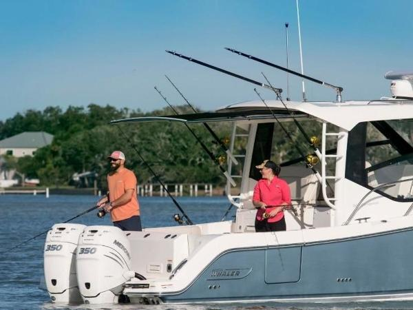 2020 Boston Whaler boat for sale, model of the boat is 325 Conquest & Image # 3 of 11