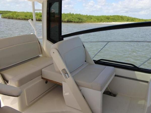 2020 Boston Whaler boat for sale, model of the boat is 325 Conquest & Image # 7 of 11