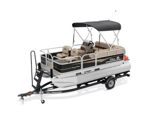2020 Sun Tracker boat for sale, model of the boat is BASS BUGGY® 16 DLX & Image # 10 of 39