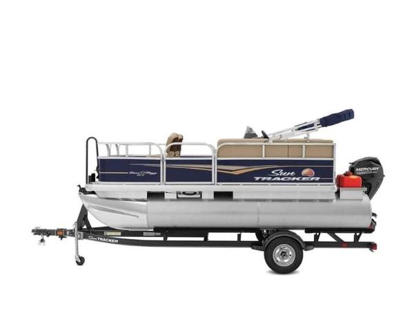 2020 Sun Tracker boat for sale, model of the boat is BASS BUGGY® 16 DLX & Image # 12 of 39