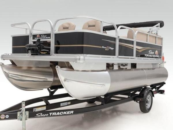 2020 Sun Tracker boat for sale, model of the boat is BASS BUGGY® 16 DLX & Image # 13 of 39