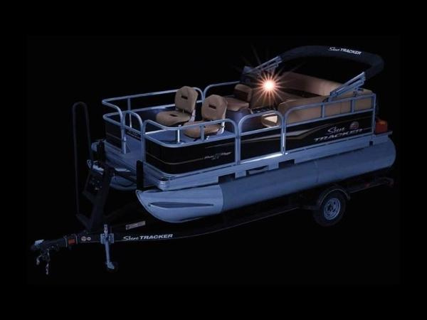 2020 Sun Tracker boat for sale, model of the boat is BASS BUGGY® 16 DLX & Image # 14 of 39