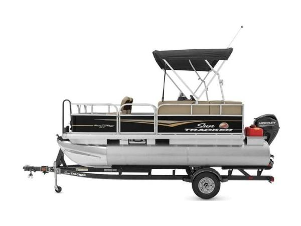 2020 Sun Tracker boat for sale, model of the boat is BASS BUGGY® 16 DLX & Image # 22 of 39