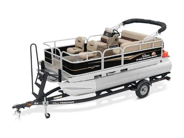 2020 Sun Tracker boat for sale, model of the boat is BASS BUGGY® 16 DLX & Image # 30 of 39