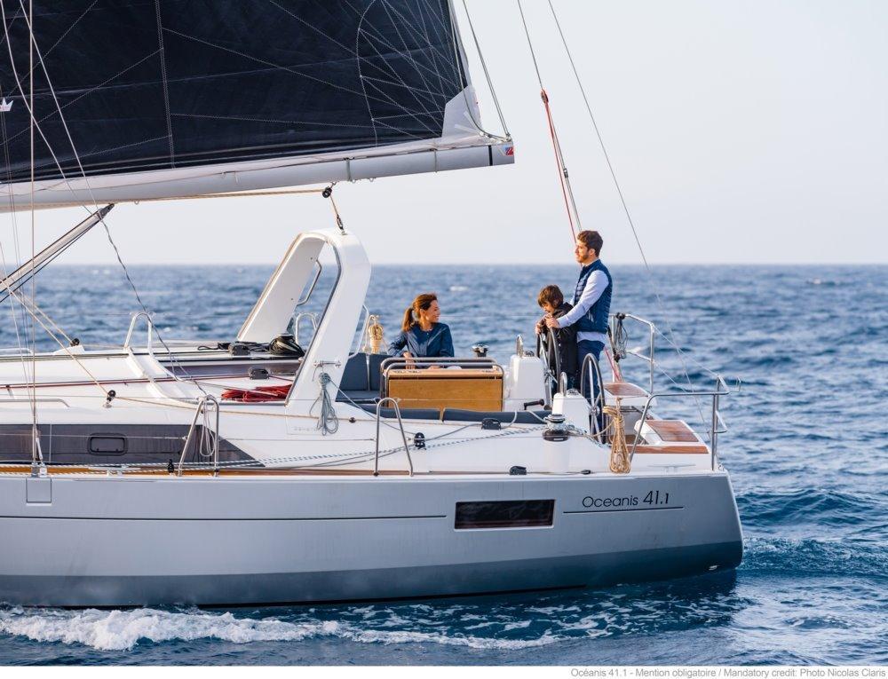 Boat Details - Cape Yachts | Yacht Sales & Brokerage