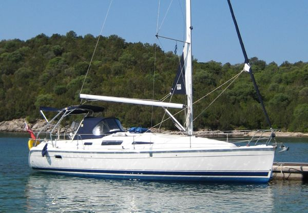 Hunter Legend 33 for sale