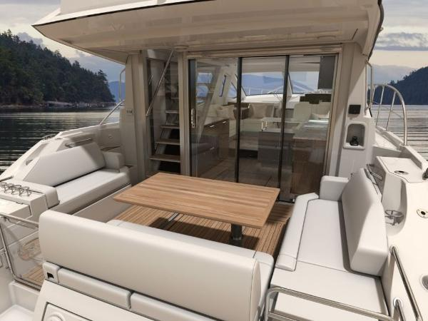 2020 Sea Ray boat for sale, model of the boat is Fly 520 & Image # 10 of 14
