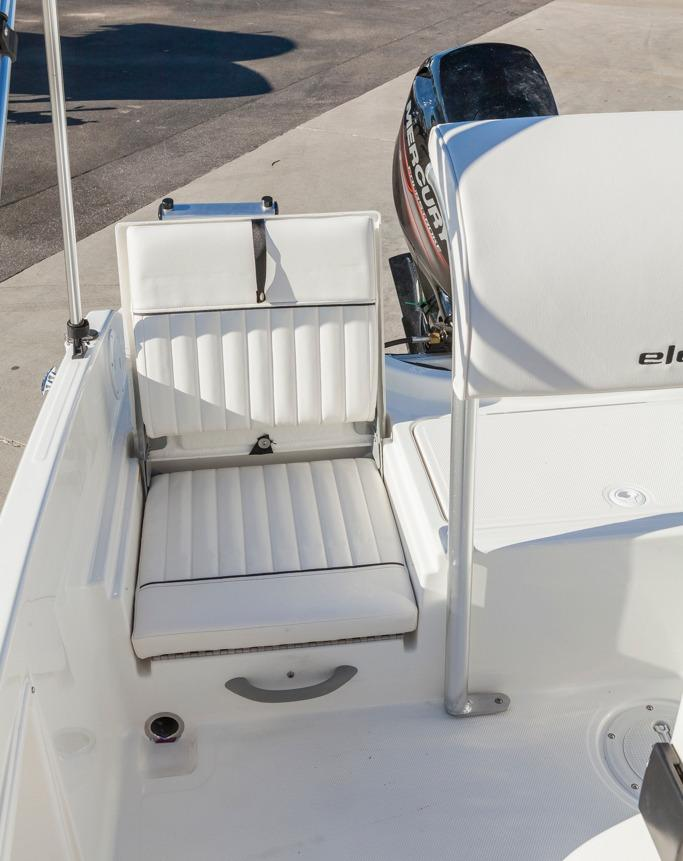 Bayliner Element F16