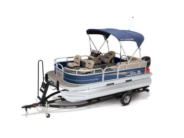 2020 Sun Tracker boat for sale, model of the boat is Bass Buggy® 16 XL Select & Image # 6 of 43