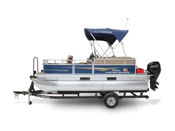 2020 Sun Tracker boat for sale, model of the boat is Bass Buggy® 16 XL Select & Image # 9 of 43