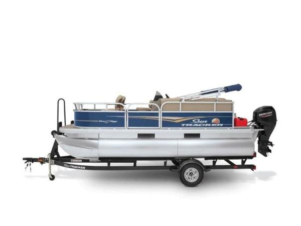 2020 Sun Tracker boat for sale, model of the boat is Bass Buggy® 16 XL Select & Image # 13 of 43
