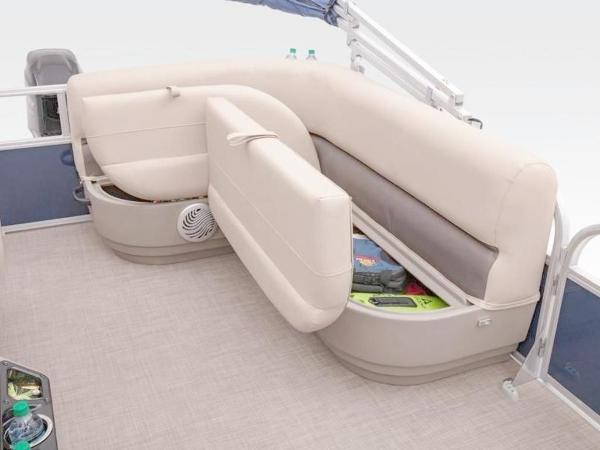 2020 Sun Tracker boat for sale, model of the boat is Bass Buggy® 16 XL Select & Image # 17 of 43