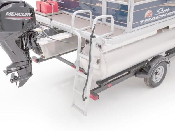 2020 Sun Tracker boat for sale, model of the boat is Bass Buggy® 16 XL Select & Image # 18 of 43