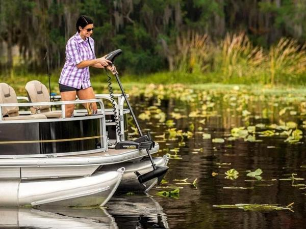2020 Sun Tracker boat for sale, model of the boat is Bass Buggy® 16 XL Select & Image # 22 of 43