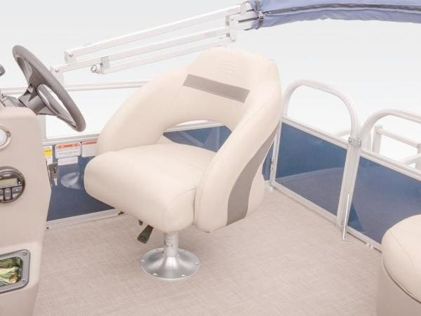 2020 Sun Tracker boat for sale, model of the boat is Bass Buggy® 16 XL Select & Image # 25 of 43