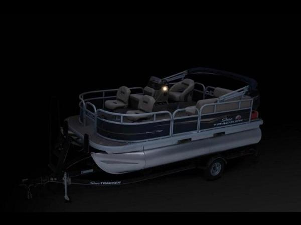 2020 Sun Tracker boat for sale, model of the boat is Bass Buggy® 16 XL Select & Image # 31 of 43