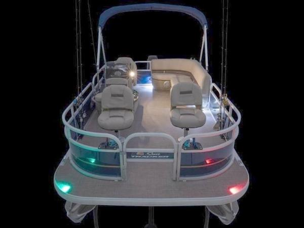2020 Sun Tracker boat for sale, model of the boat is Bass Buggy® 16 XL Select & Image # 33 of 43