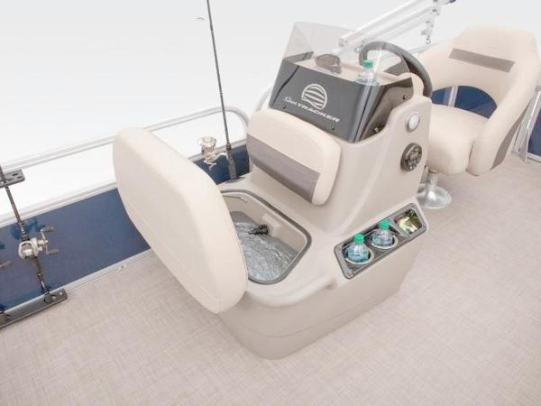 2020 Sun Tracker boat for sale, model of the boat is Bass Buggy® 16 XL Select & Image # 40 of 43