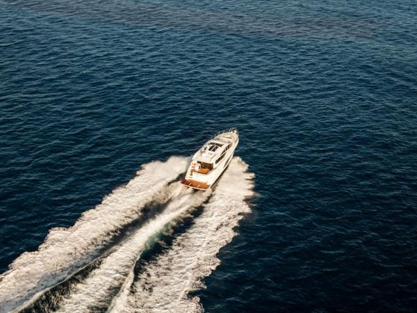 2020 Sea Ray boat for sale, model of the boat is L550 & Image # 26 of 48