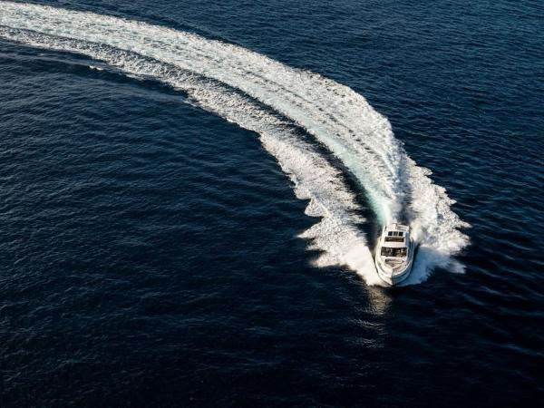 2020 Sea Ray boat for sale, model of the boat is L550 & Image # 32 of 48