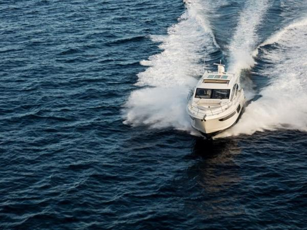 2020 Sea Ray boat for sale, model of the boat is L550 & Image # 38 of 48