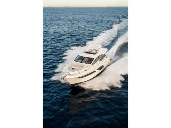 2020 Sea Ray boat for sale, model of the boat is L550 & Image # 39 of 48
